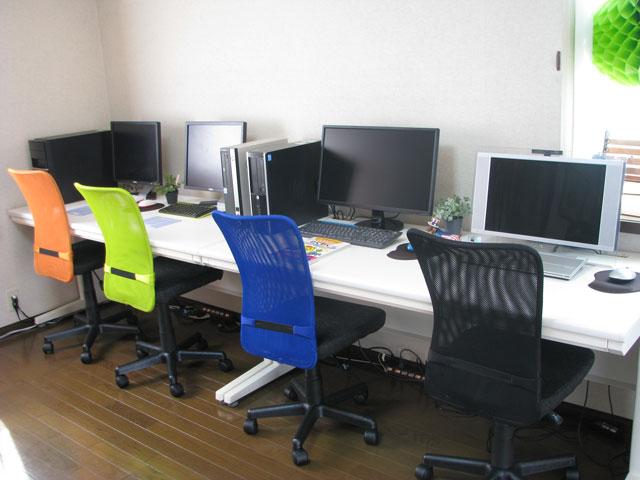 パソコン教室ナカシマ教室内